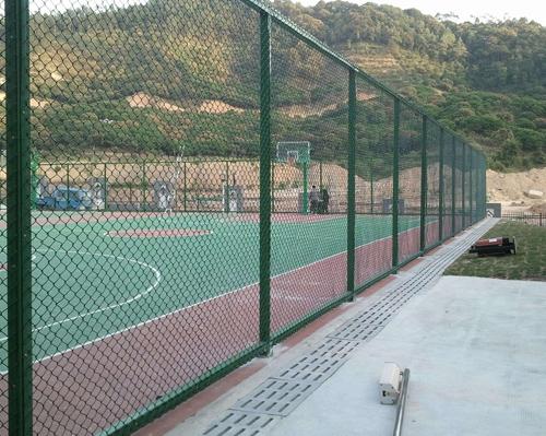 蓝球场围网